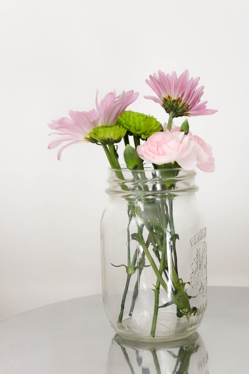 10 Minute Decorating 5 Mason Jar Flower Arrangements Perfect For Spring Making It In The Mountains