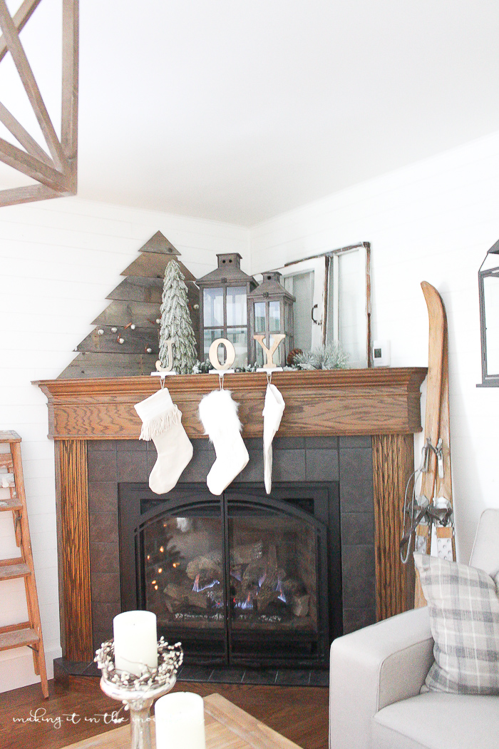 How to decorate a corner fireplace mantel for the holidays for How to decorate a fireplace for christmas