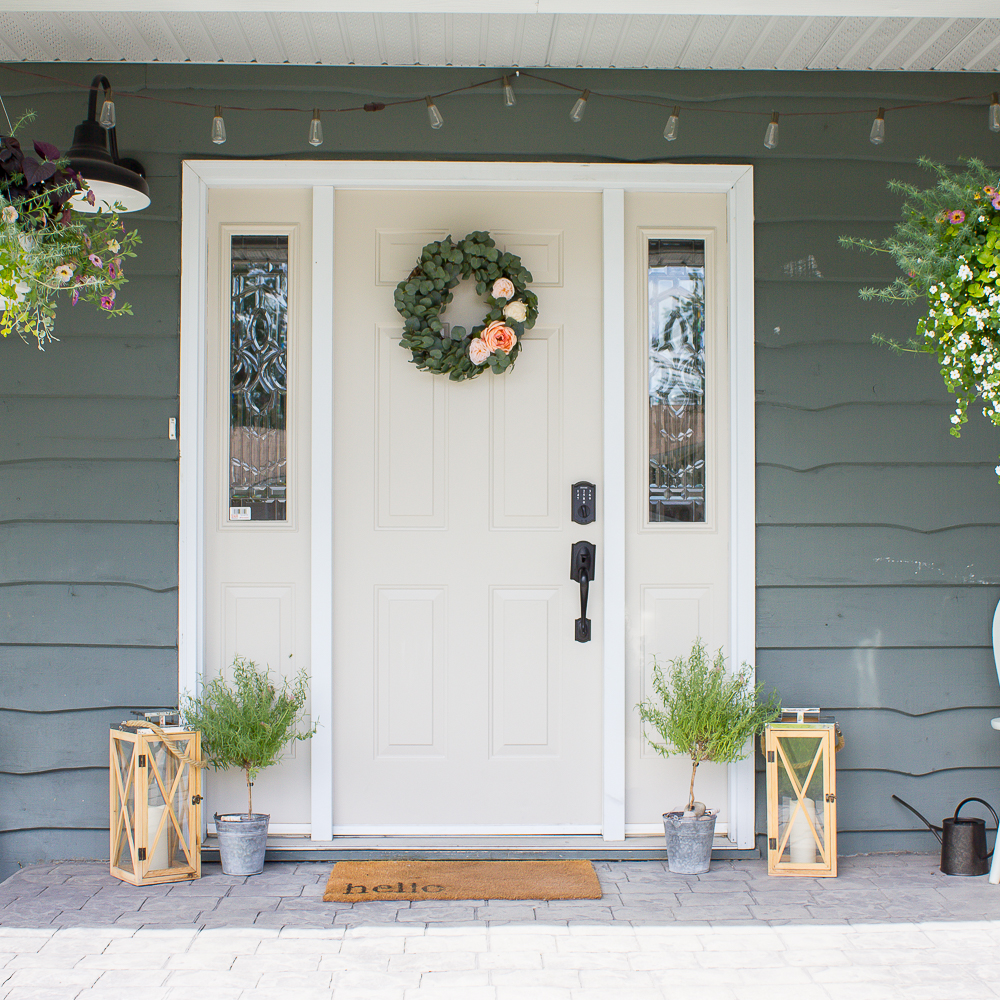 5 Ways To Decorate Your Deck With Plants: 10 Minute Decorating: 5 Simple Ways To Bring Farmhouse